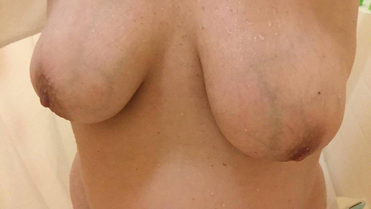 Nude Selfie 9550