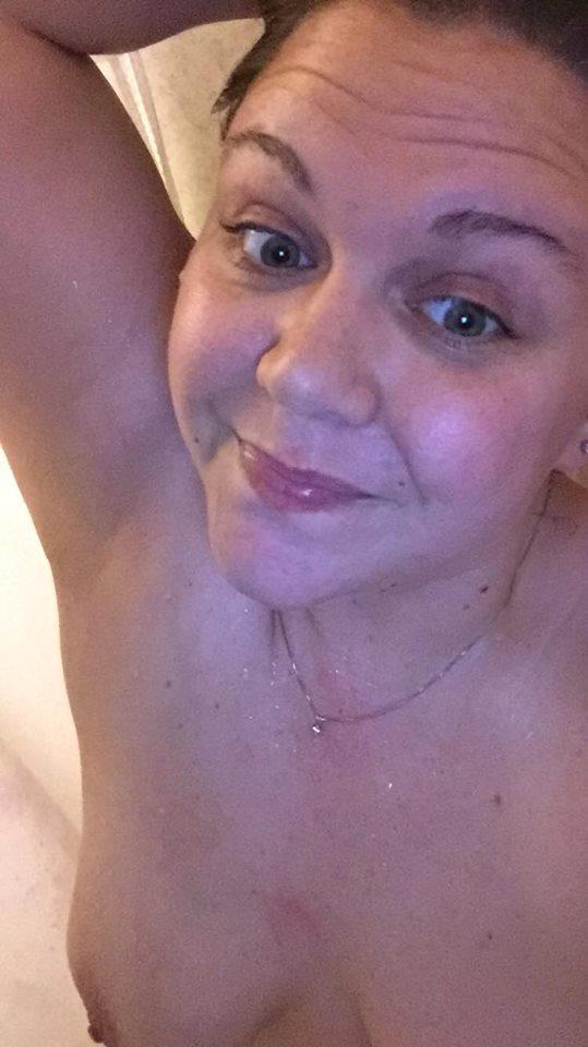 Nude Selfie 9548