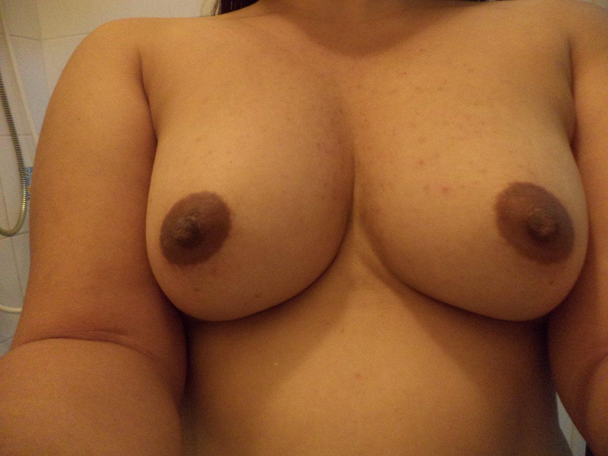 Nude Selfie 9568