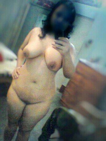 Nude Selfie 9571