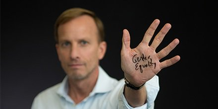 New blog: To end HIV epidemic, we must focus on #HIVprevention & #genderequality -Mark Dybul https://t.co/ESrm59omf7  #worldaidsday @UNAIDS https://t.co/OYWQTc0saT