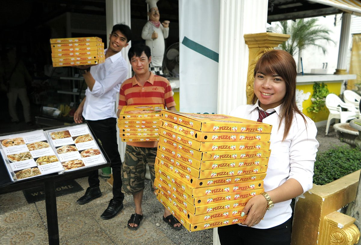Today we had such a great #donation! Local Italian Restaurant Pinocchio in Khao Lak donated #pizza slices for all our students! <3 #grateful