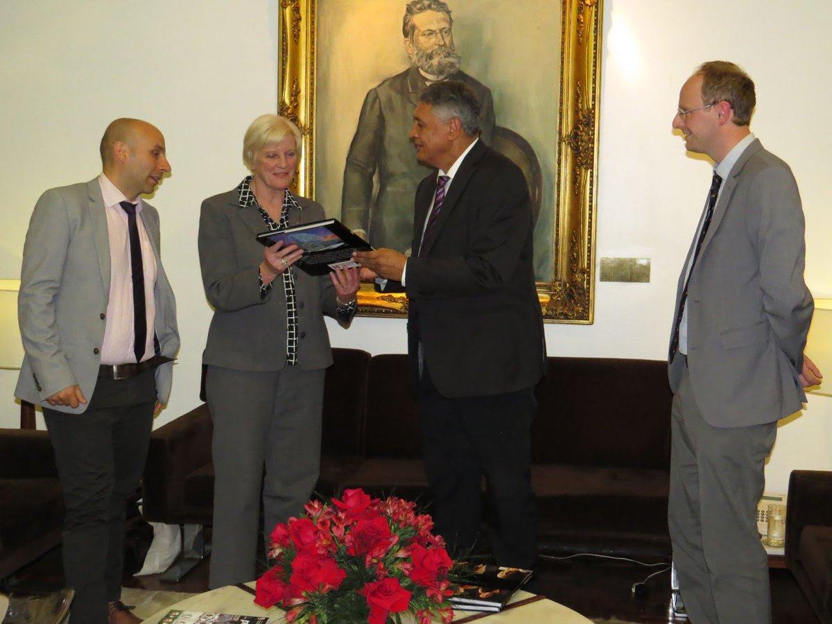 RT @ukinbrazil: 📷#Falklands MLAs meet @adolfobritopp, member of Rio Grande do Sul Legislative Assembly. https://t.co/rDP6Am8llu