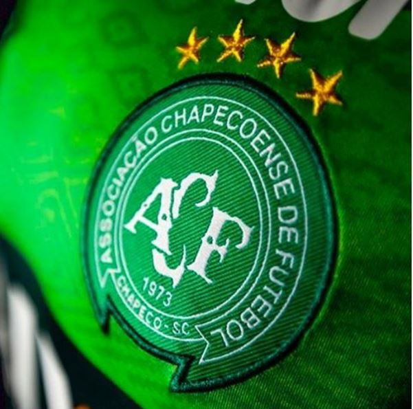 Those are horrible news for the football world 😔 My thoughts are with @ChapecoenseReal today! #Brazil 🇧🇷🙏🏽🙏🏽 #ForcaChape