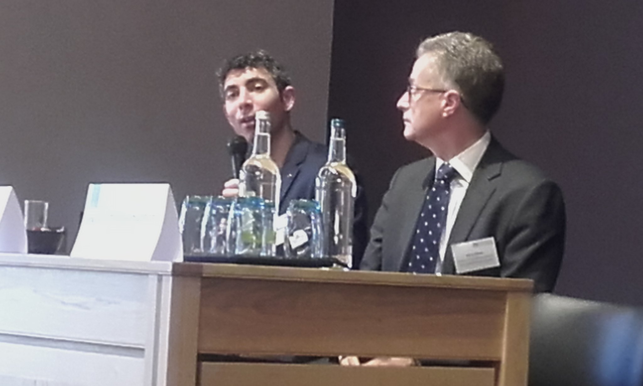 Good robust questions & discussion - lessons from cancer & cardiology from Nitzan Rosenfeld & Perry Elliott @PHGFoundation #LSS2016 https://t.co/YtP2JPBkFi