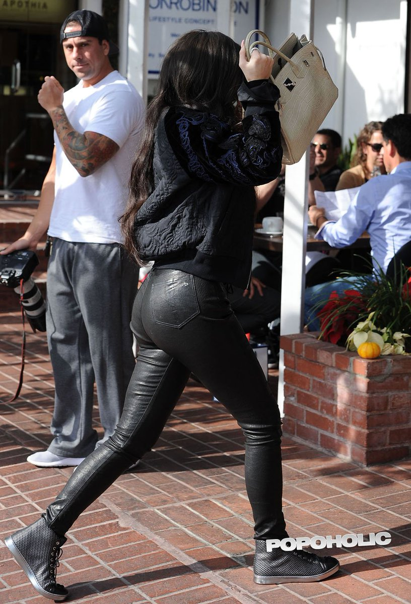 Ass In Tight Leather Pants