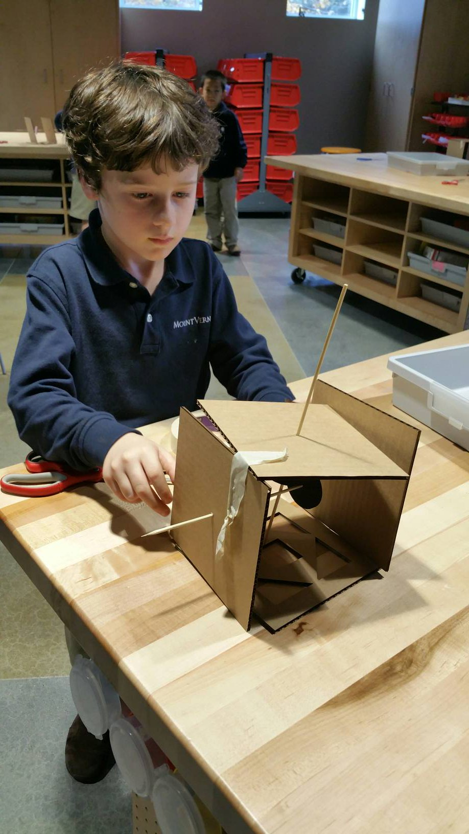 """""""I'm doing lots of testing, then I'll know if it works."""" #kidquote 1st grdr's tinkering stance for #CardboardAutomata!  #MakerEd #MVPSchool https://t.co/FsqxliUwrp"""