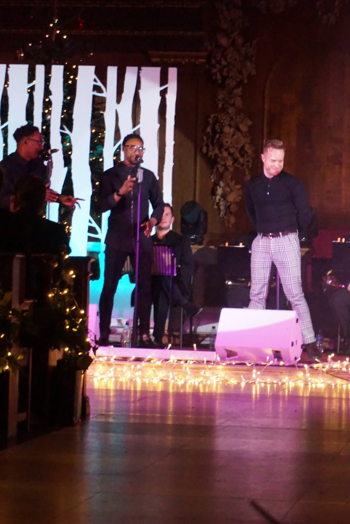 The fantastic @ollyofficial had got the church up and dancing at the Fayre of St James @CheryIsTrust @PrincesTrust https://t.co/DX5nbVSlUw