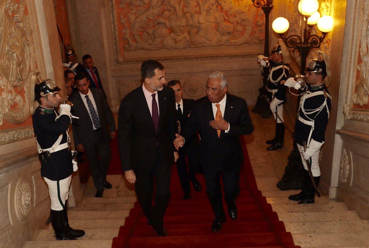 Официальный визит королевской четы Испании в Португалию, день 2: ужин Монаршие Дома