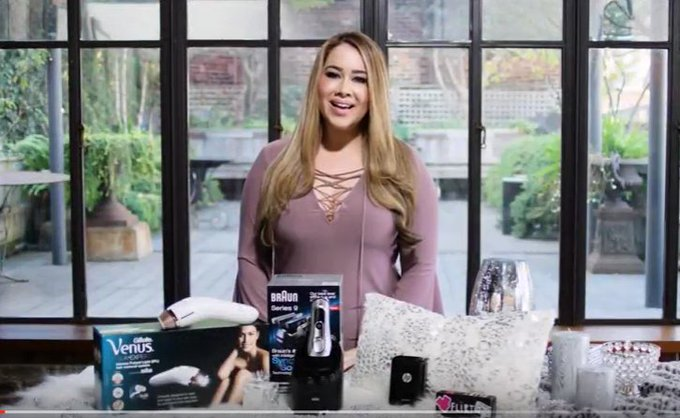 Gift Guide: Beauty & Tech Gadget Edition + Video