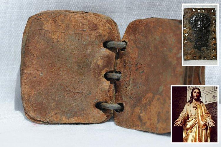 Primo ritratto di Gesù Cristo: tavolette di piombo autentiche