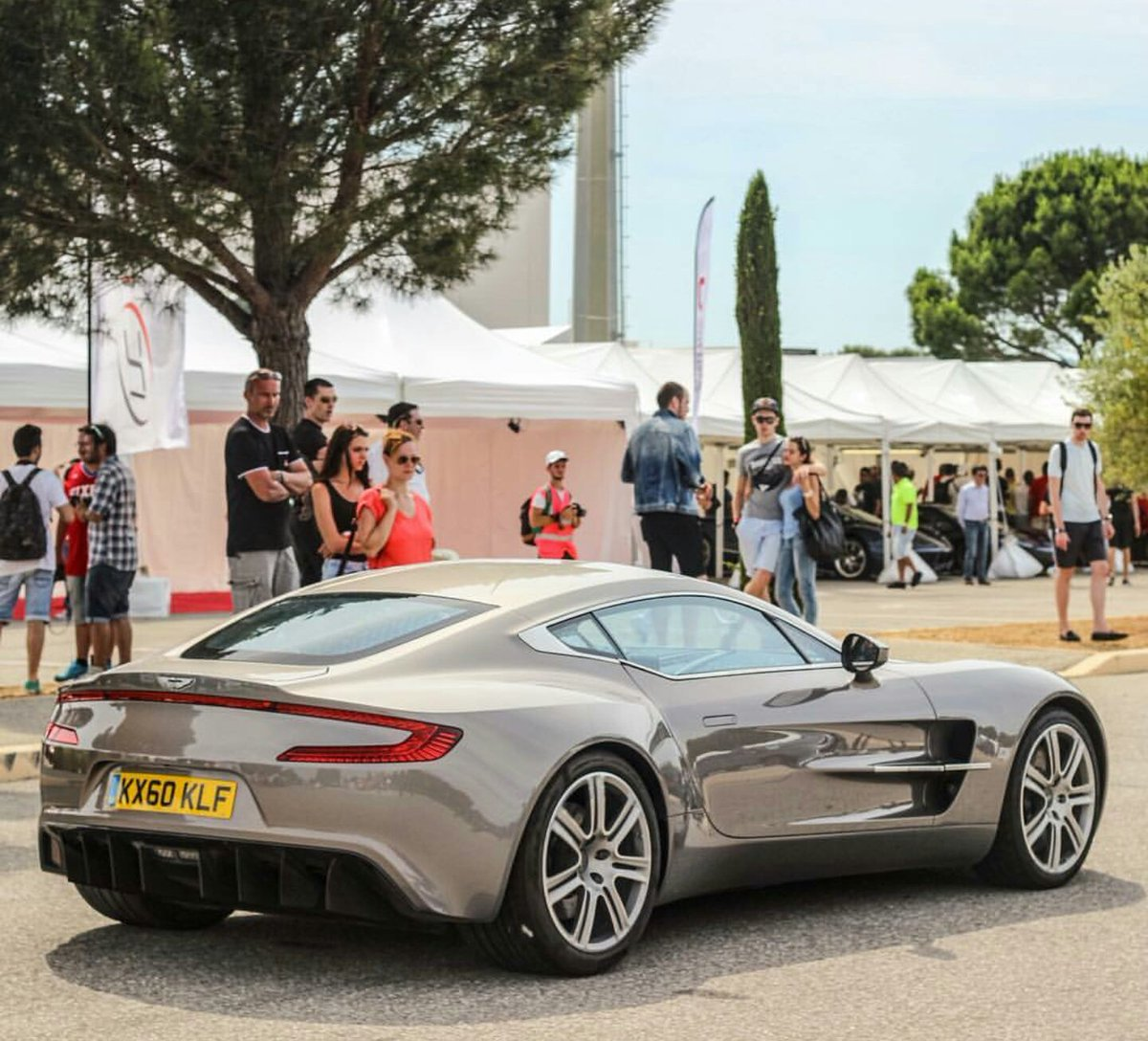 Delicieux Aston Martin Club (@AstonMartinOC) | Twitter