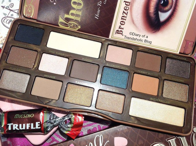 Too Faced Semi-Sweet Chocolate Bar Eye Shadow Palette: Review & Swatches