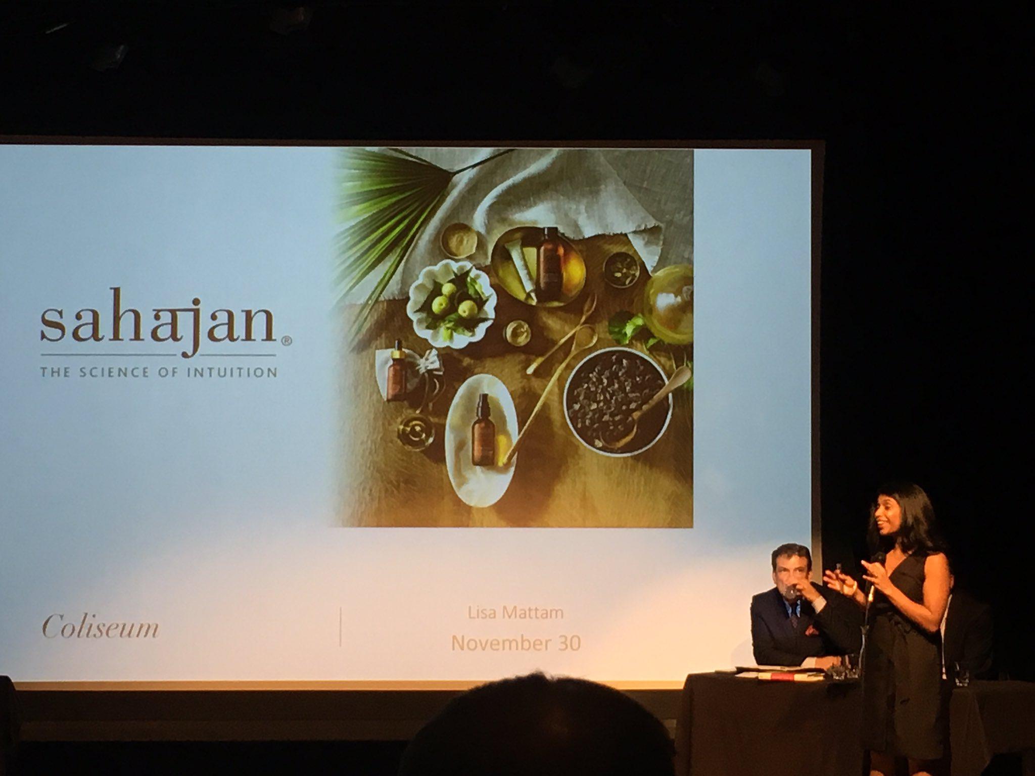 Founder of @sahajanskincare starts her pitch at  #Coliseum2016 @aagefontario 📍#entrepreneurship #toronto https://t.co/gRgcwY0sd3