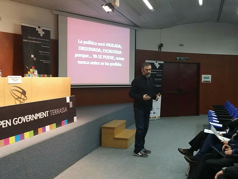 Benvinguts al món en el que l'escrutini públic és permanent diu @antonigr #OgovDayTerrassa #transparencia #politica https://t.co/V5JtjgpvIg