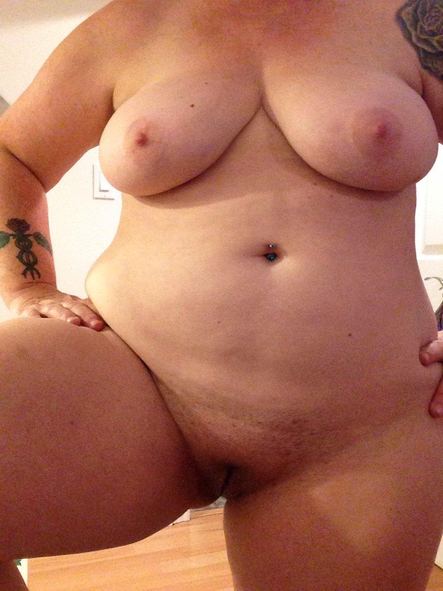 Nude Selfie 9575
