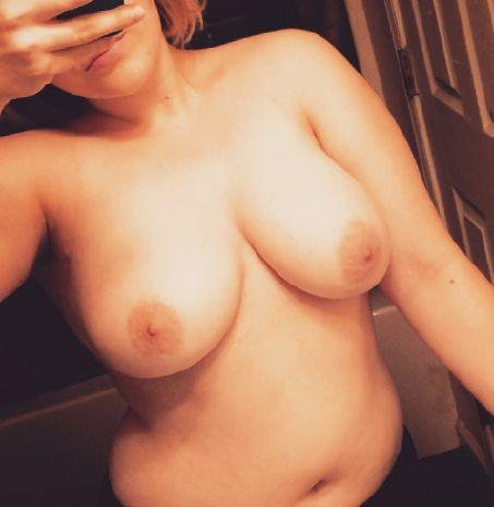 Nude Selfie 9604