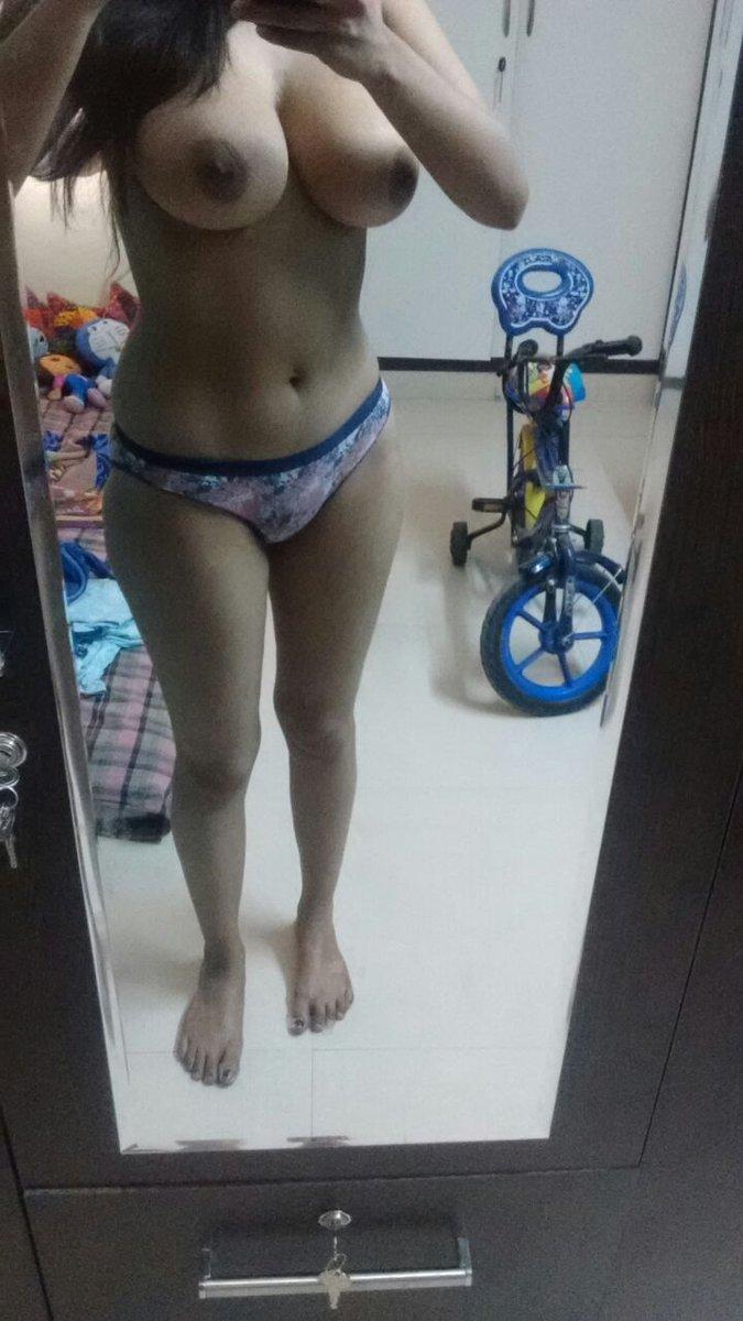 Nude Selfie 9618