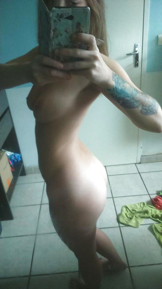 Nude Selfie 9622