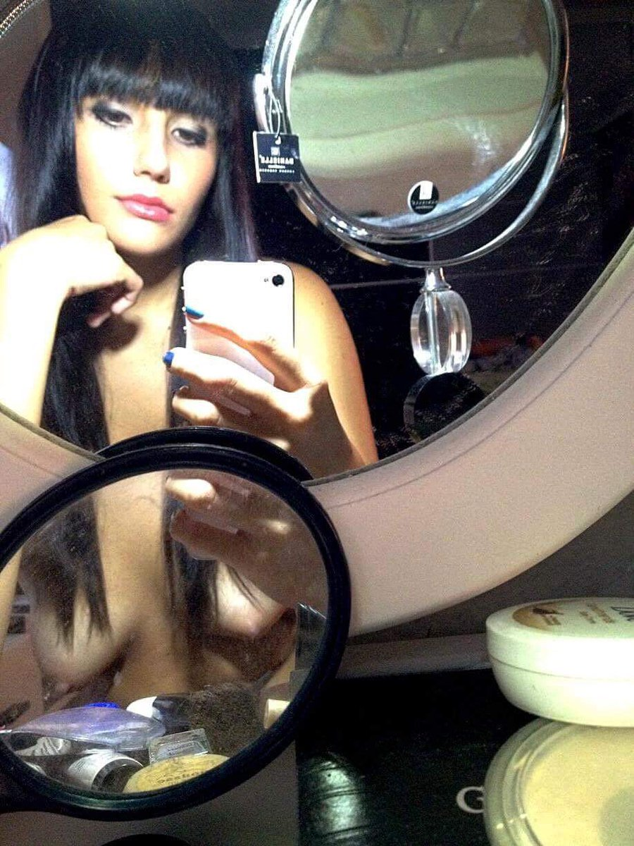 Nude Selfie 9634