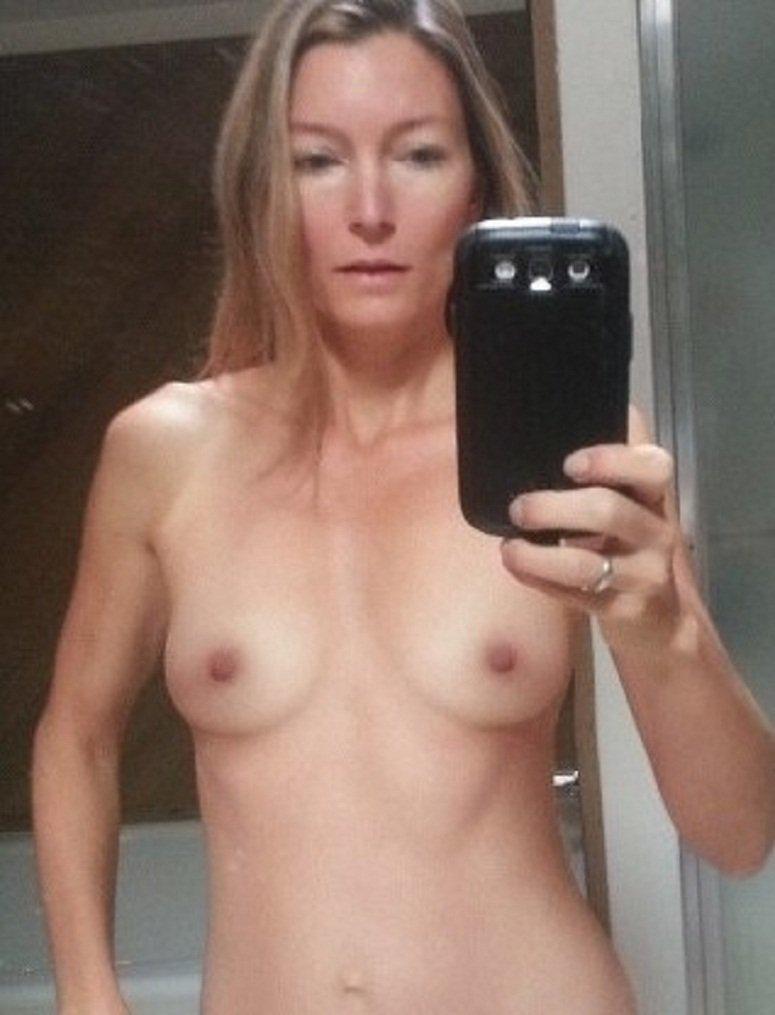 Nude Selfie 9653