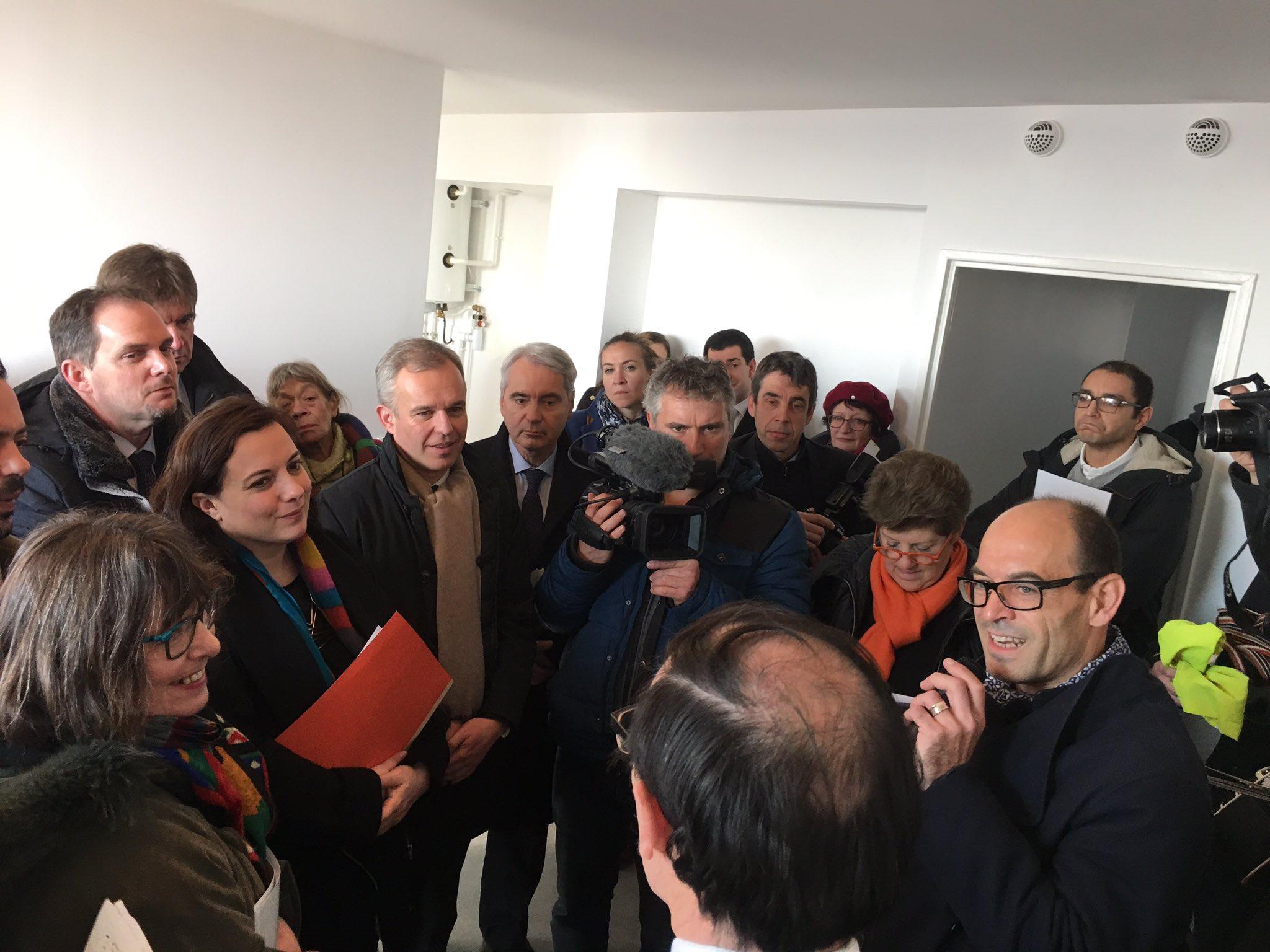 Le logement peut être écolo ET social : Energie passive, façade bois, ... pour le parc social ! #LEcologiePourTous @montreuil @emmacosse https://t.co/csGjKBJwv4