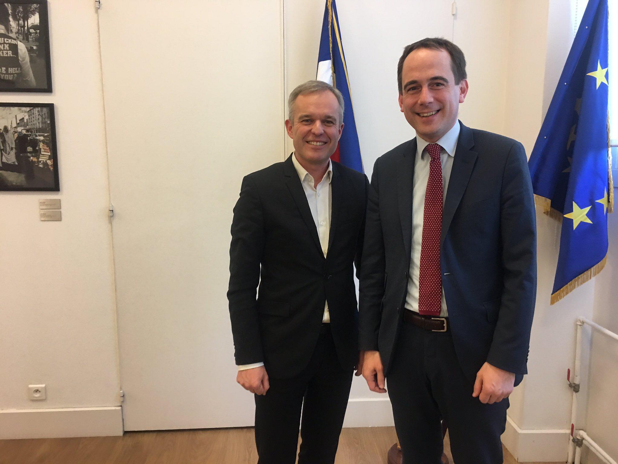 Merci à @PatriceBessac pour son accueil à la Mairie de @Montreuil. Enjeu de maintenir le dialogue avec toutes sensibilités de gauche. https://t.co/s0Jyzq0GlT