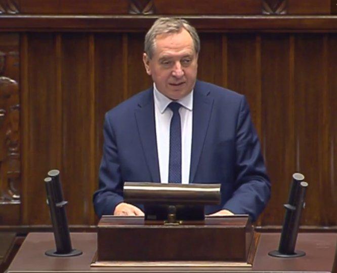 Minister H. #Kowalczyk: likwidacja @MSP_GOV_PL jest zgodna z deklaracjami z kampanii wyborczej i zapowiedziami @PremierRP B. Szydło #Sejm https://t.co/Y3Tkeicxw1