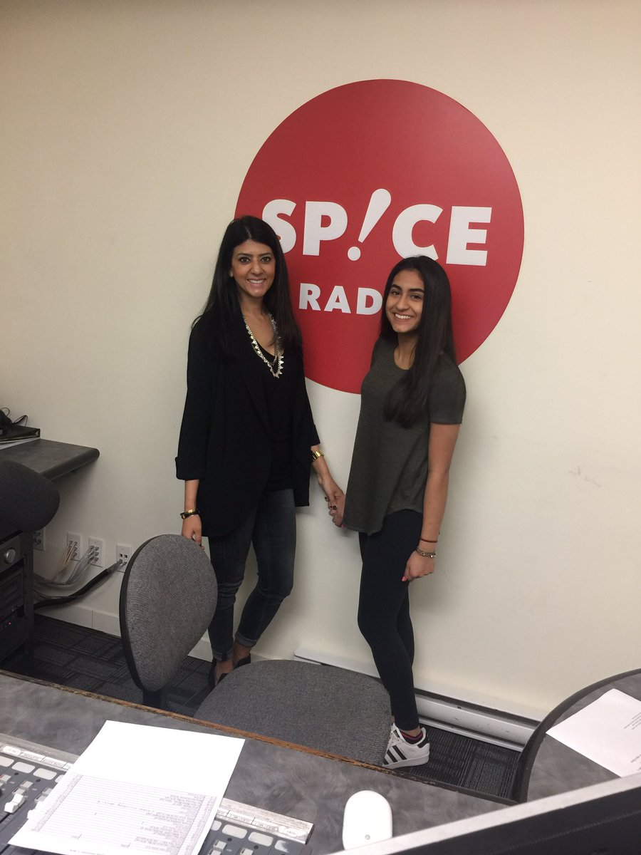 Shiamak Vancouver On Twitter The Mother Daughter Funking It Up Spiceradiovan Zahararawji And Myah With Tejas Winterfunk