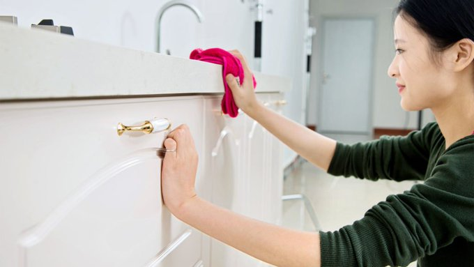 5 Cleaning Hacks to Keep Your Home Looking Show-Ready 24/7