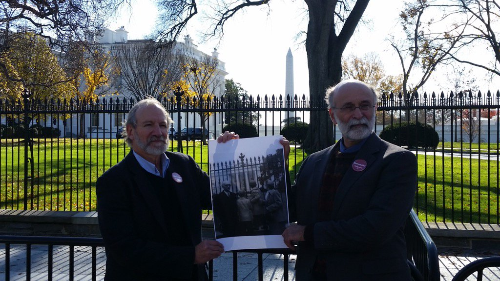 Michael &Robert Meeropol @ the WhiteHouse today asking the President 2 exonerate their mother https://t.co/78eWRqaAD4