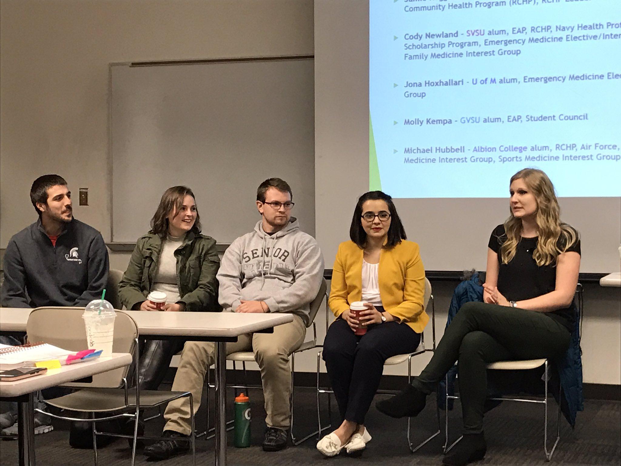 Welcome to #SVSU @MSUMD M1 students sharing about NEW curriculum. Welcome back to Cody Newland & Jamie Roggenbuck, SVSU alums! #WeCardinal https://t.co/4oNZvNR7my