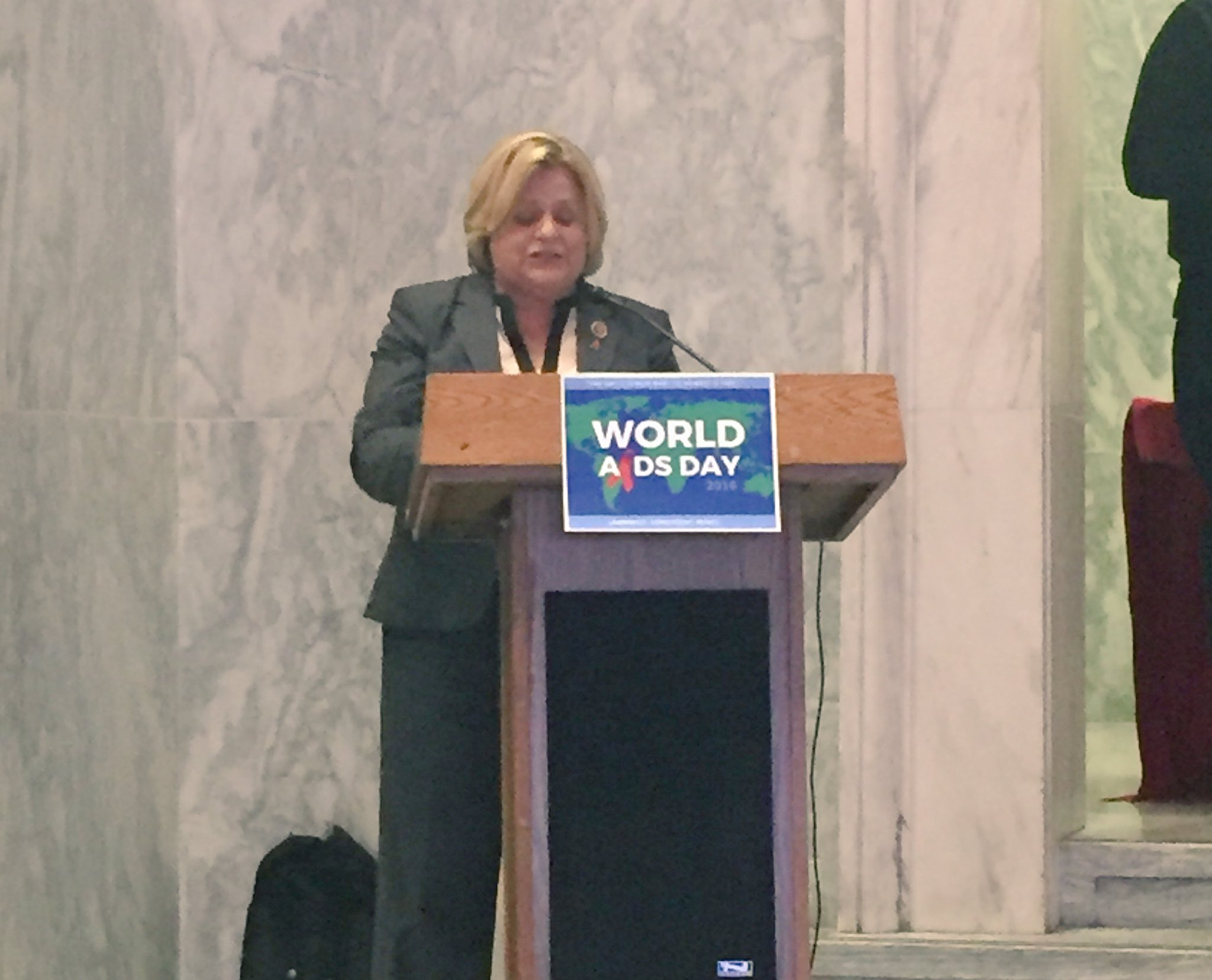 .@RosLehtinen (R) stresses importance of the maintaining bipartisan commitments to #EndAIDS. #WorldAIDSDay https://t.co/9ok81SB3So