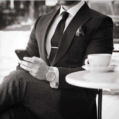 Uzivatel Emy Queen Na Twitteru صباح الخير علي رجل يحتسي قهوته بدوني رجل يشرب حرفي من فنجان جنوني رجل لو ضاع في فوضي الصباحات سيجدونه حتما إما في قلبي
