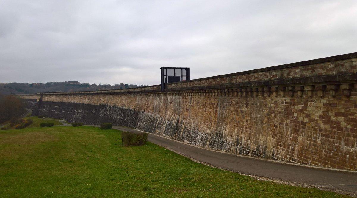A quoi sert cette jolie #muraille en #pierre ? C&#39;est le #barrage de #Champagney Son histoire sur  http://www. webaire.info/index.php/lois irs-webaireinfo/loisirs-sorties-webaireinfo/363-webaireinfo-loisirs-sortie-barrage-de-champagney &nbsp; …  @FComteComm<br>http://pic.twitter.com/ll5MXXlAQS