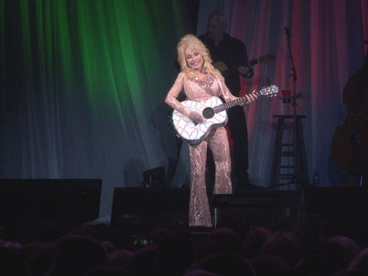 $1 million raised for @DollyParton 'My People Fund,' but more donations needed to support families who lost homes  https://t.co/vldsIvl89e https://t.co/zULKredGIF