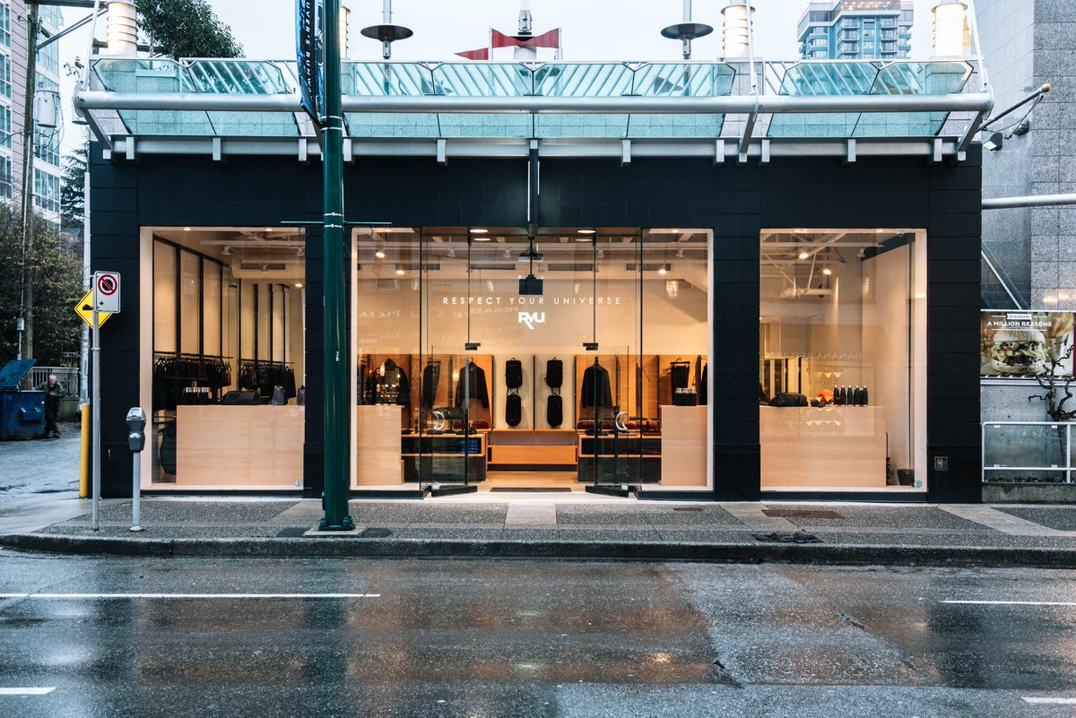 @RYU_apparel is now open #onRobson! https://t.co/qvVWuB2d4n https://t.co/F99UrbDeZP