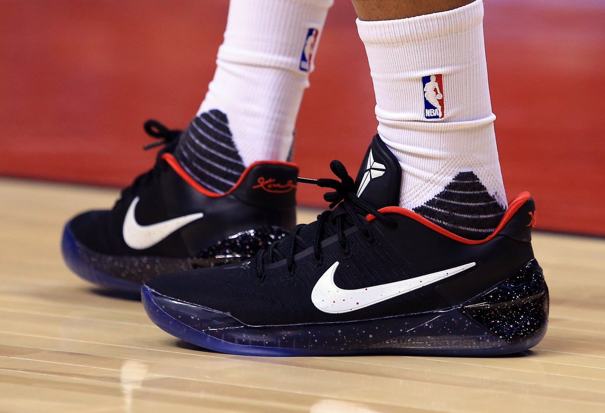 online retailer d2171 6617c Demar derozan in the nike kobe a.d. tonight vs. los angeles ...