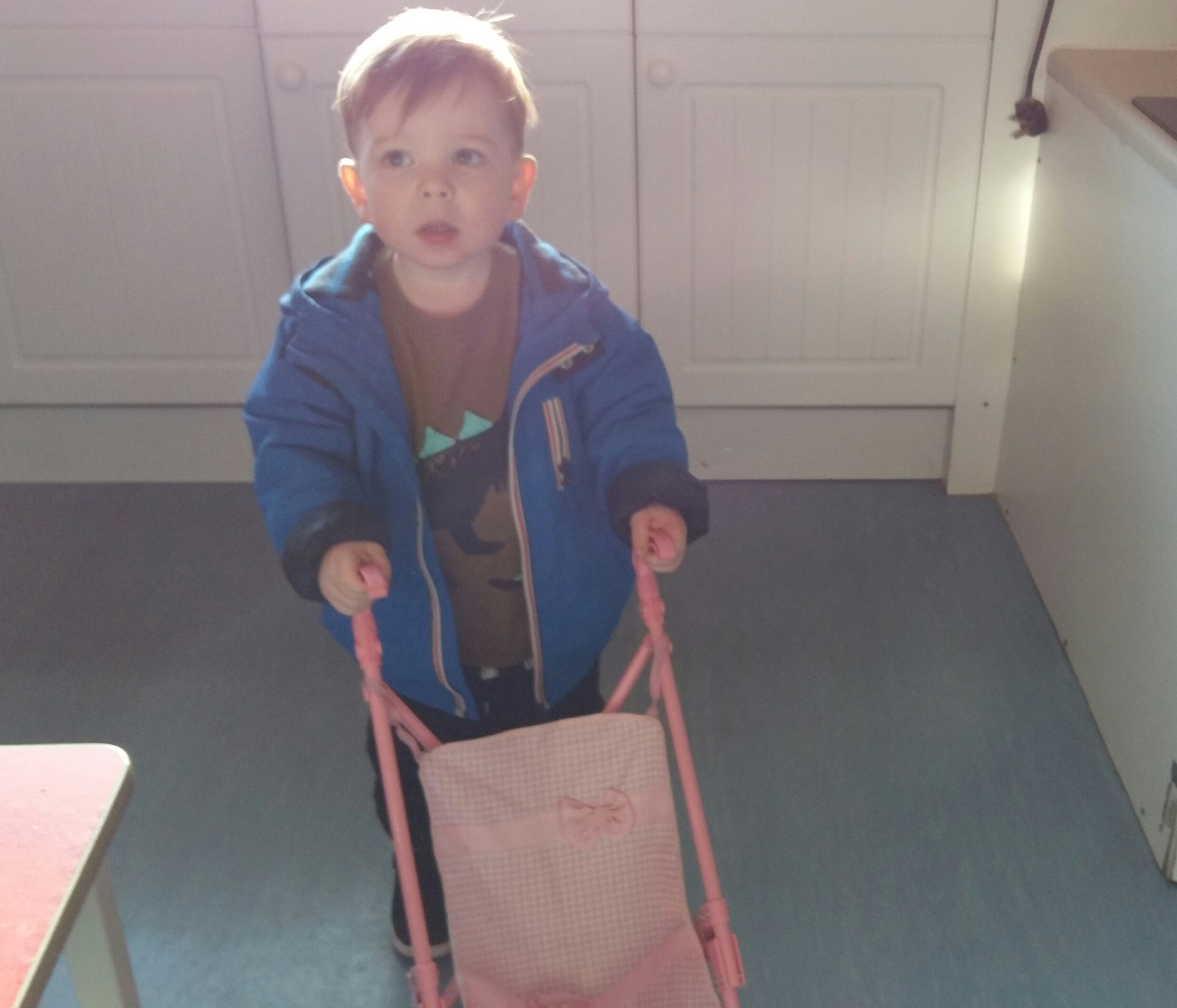 Thanks to the dads and kids who came to our Craigmillar playgroup today...Boys love buggies too! https://t.co/mzhIJac18m