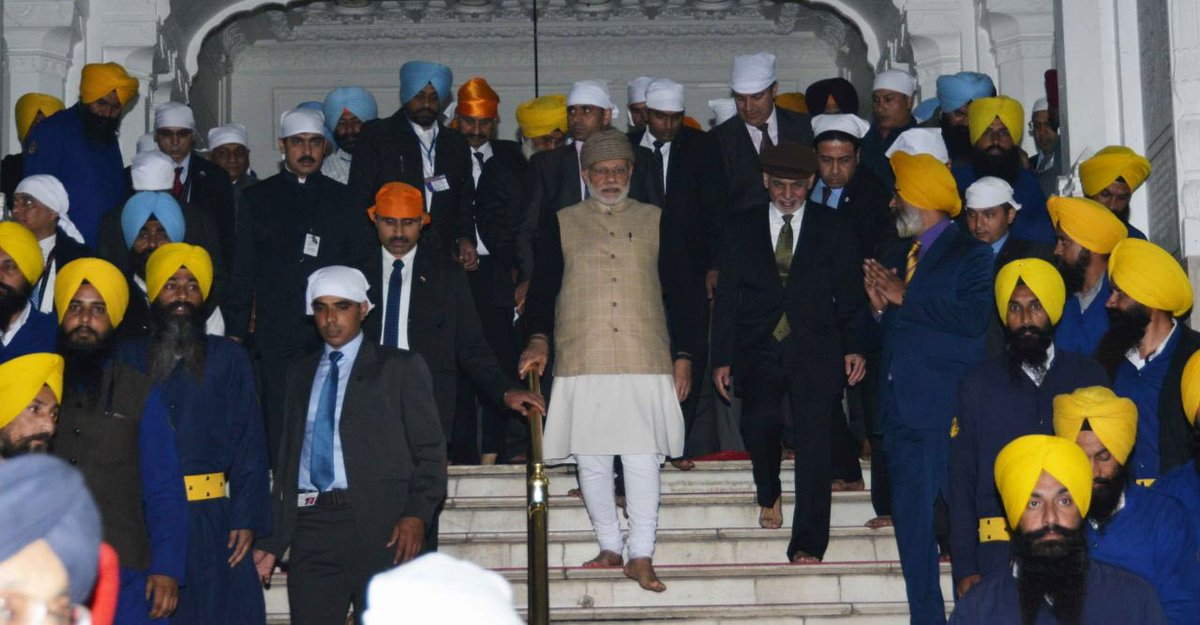 Modi, Ghani visit Golden Temple