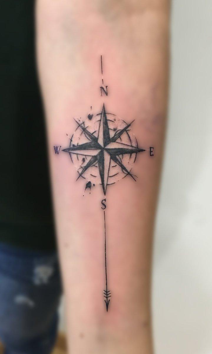 Breaking Art Tattoo On Twitter Sketch De Rosa De Los Vientos Al
