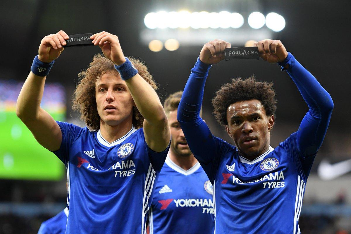Chelsea vence City e segue na liderança