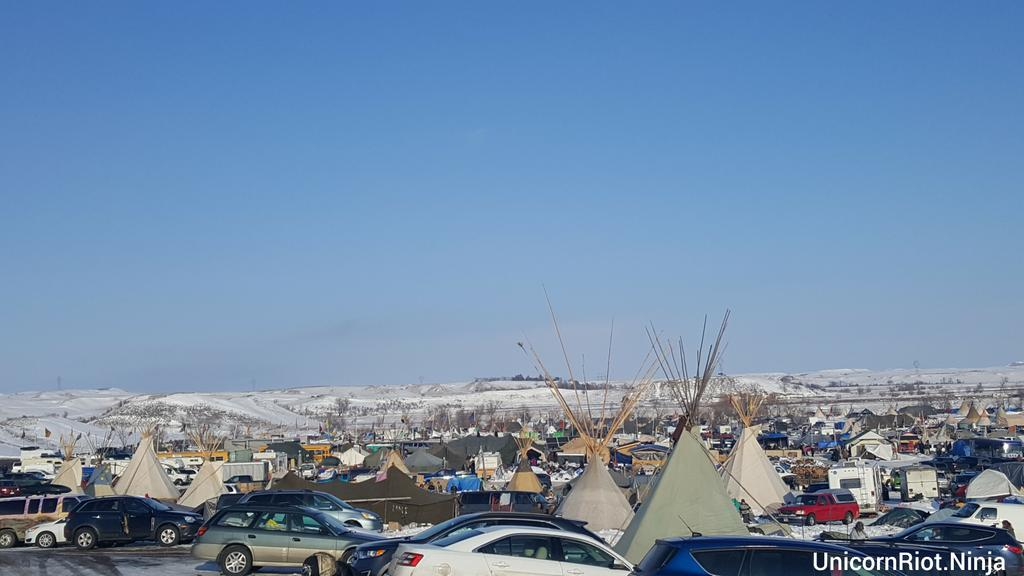 Oceti Sakowin #NoDAPL camp, Saturday December 3rd 2:30 PM, 1000s still camped out here