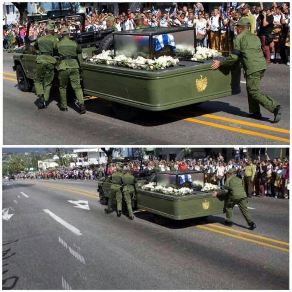 Символично! Старая советская телега УАЗик заглохла с прахом Кастро