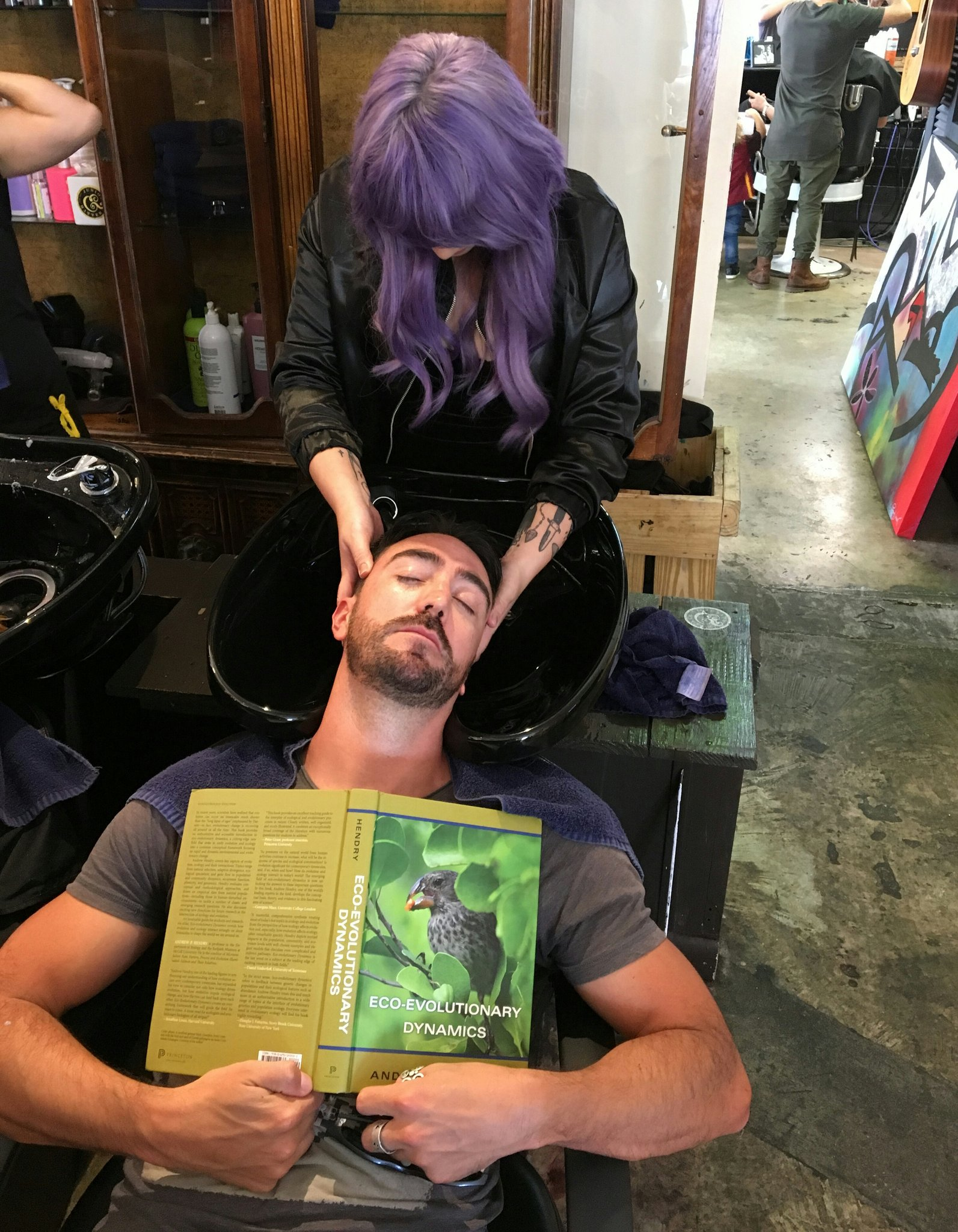 #PeopleWhoFellAsleepReadingMyBook Not fair @chavecito76 - a massage will put you to sleep regardless of the specific book. https://t.co/wvTFipD8XP