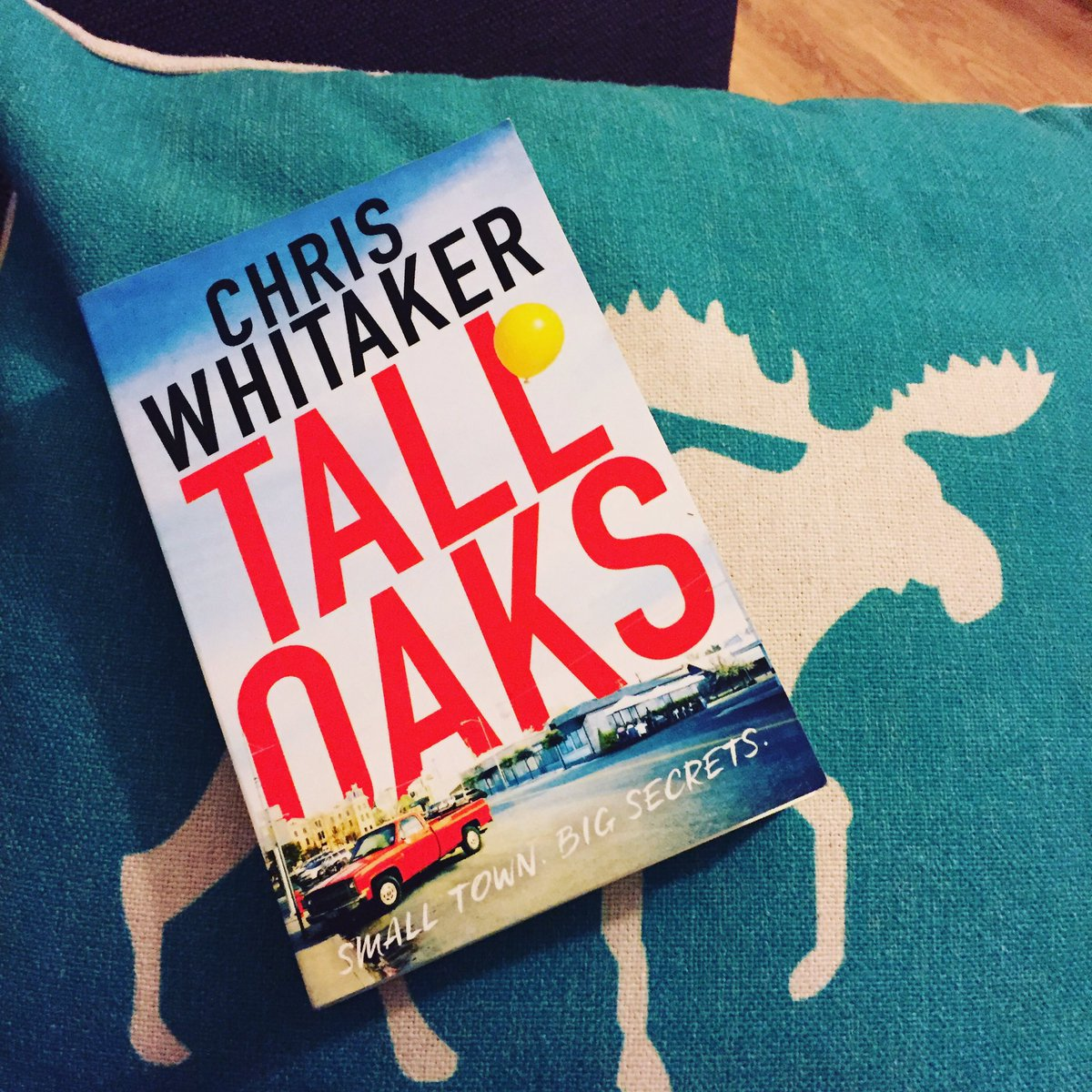 This weeks read is Tall Oaks by Chris Whitaker #books https://t.co/2HJWPoRezc