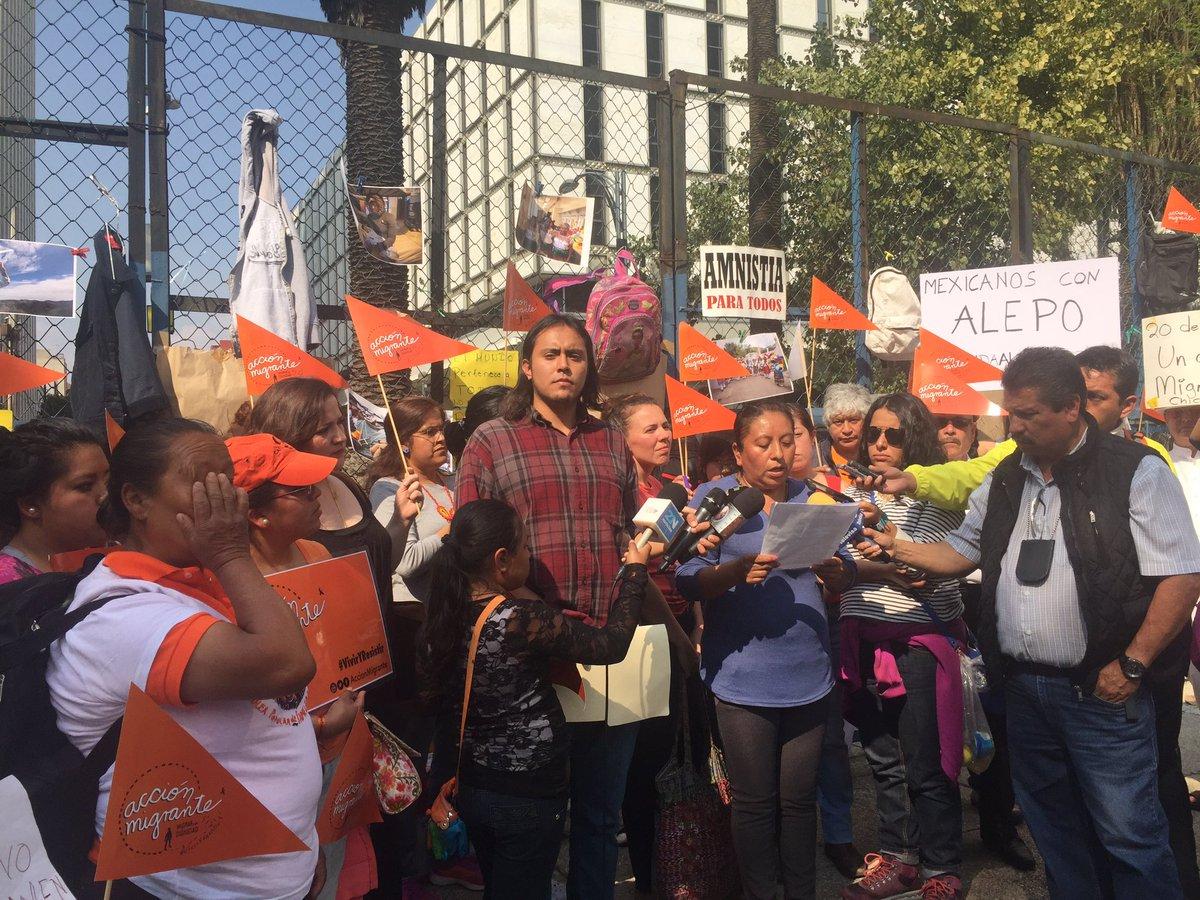 Protest at U.S. Embassy in Mexico City #DIAINTERNACIONALDELMIGRANTE