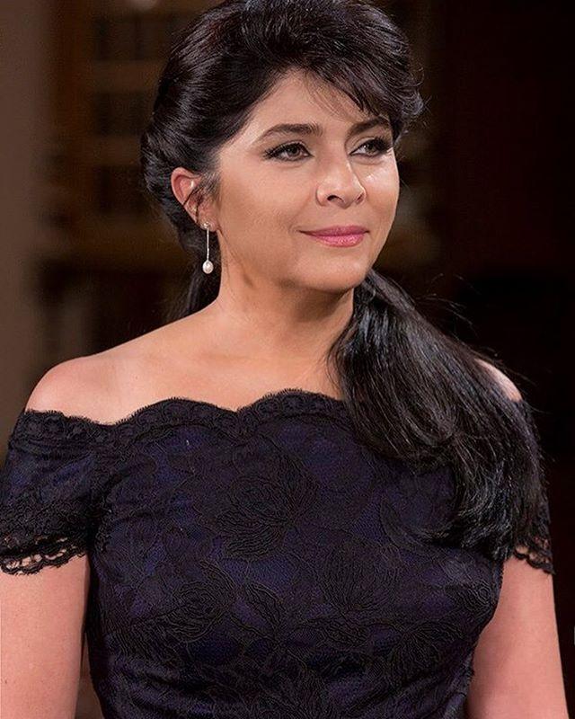 Só quem fã desta linda estrela @victoriaruffo31 da um RT! #LagrimasDeAmor055