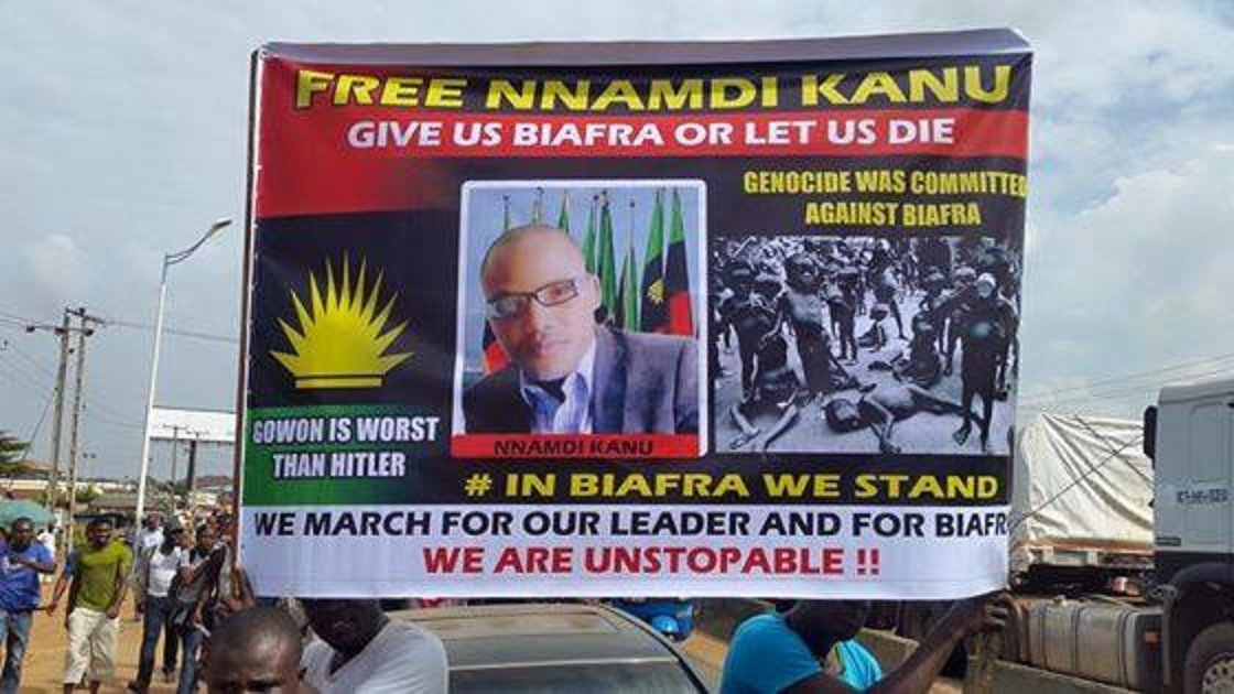 """#Nigeria fails to come to grips with separatist """"New #Biafra"""": https://t.co/ak2CvXRNKj (@irinnews) https://t.co/3x3Q3vs0z8"""