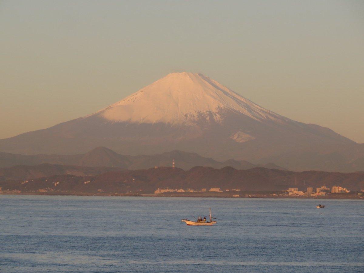 富士山綺麗に見えてます。 https://t.co/hQNbPseNVP